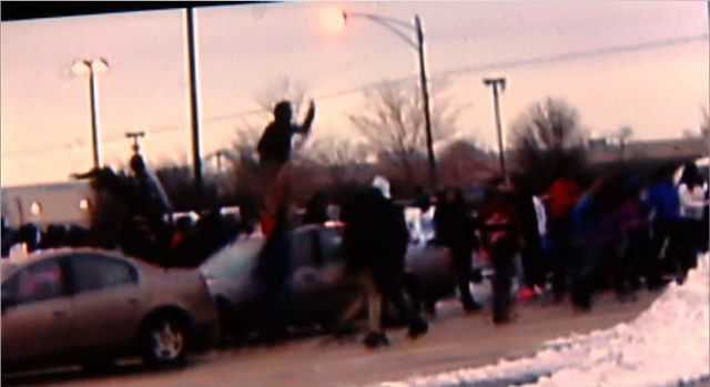[CHI] Hundreds Flee Ford City Mall