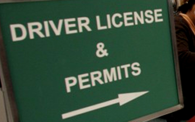 Connecticut lawmakers have approved a bill to allow undocumented immigrants to obtain drivers licenses.