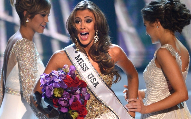 Miss Connecticut Erin Brady is crowned the winner of the Miss USA 2013.