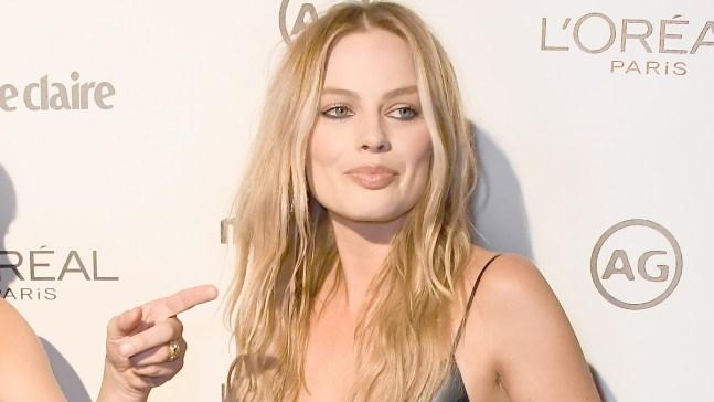 Margot Robbie Transforms for Tonya Harding Biopic