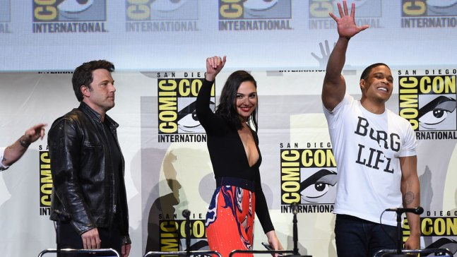 Warner Bros. Calms Fans With 'Justice League' Footage