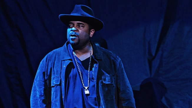 "WATCH: Sir Mix-A-Lot Performs ""Baby Got Back"" With Seattle Symphony"