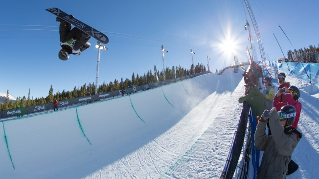 White Pulls Out of Olympic Slopestyle Qualifier
