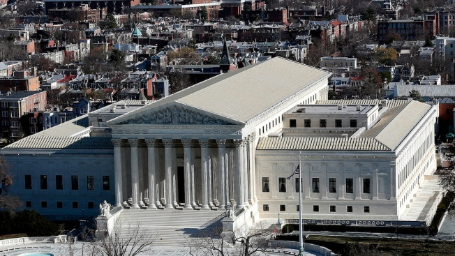 """Supreme Court Justices Express Doubts on """"Buffer Zones"""" at Mass. Abortion Clinics"""