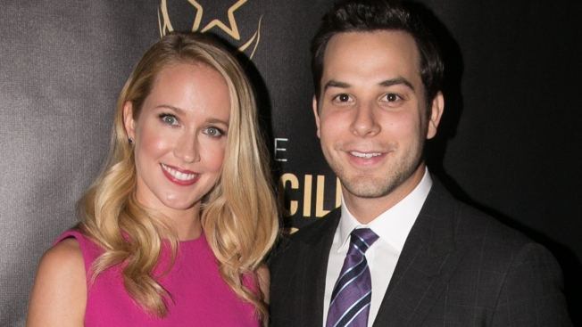 'Pitch Perfect' Stars Anna Camp, Skylar Astin Are Engaged