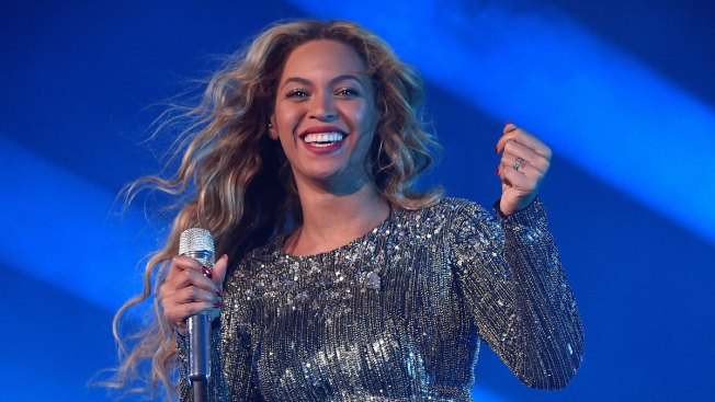 'Where My Survivors At?' Beyonce, at 34, Motivates With Destiny's Child, Poetry and a UFC Fighter