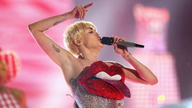 Miley Cyrus Plays London After Canceled Tour Dates