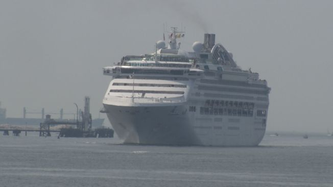 Australian Cruise Ship Stops In New London On Trip Around The - Cruise ship in london