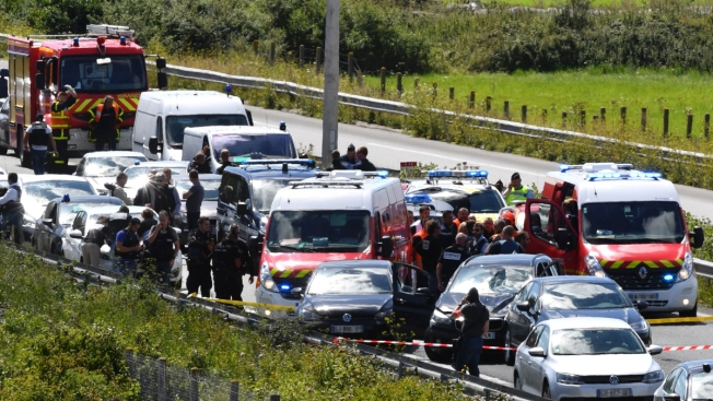 BMW Barrels Into Soldiers Near Paris, Hurting 6; Suspect Shot and Detained