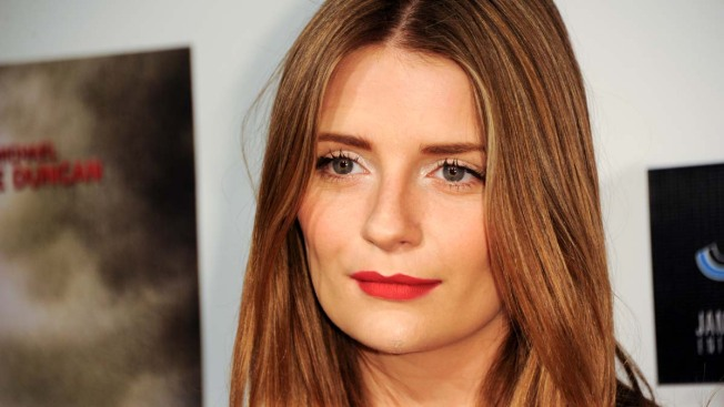 "Mischa Barton Opens Up About Her ""Full-On"" Breakdown"