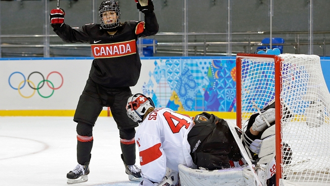 Canada Shuts Out Switzerland 5-0 in Women's Hockey in Sochi