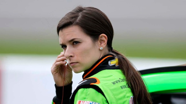 Danica Patrick to Co-Host Country Awards