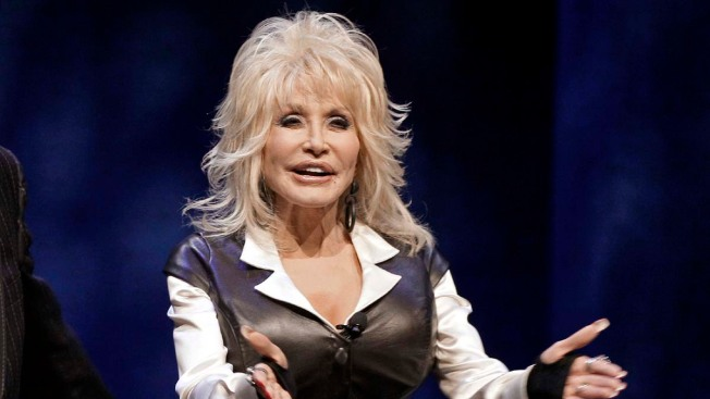 Dolly Parton Suffers Minor Injuries in Car Crash