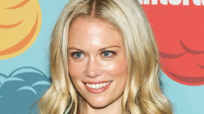 """Grimm"" Actress Claire Coffee Ties the Knot"
