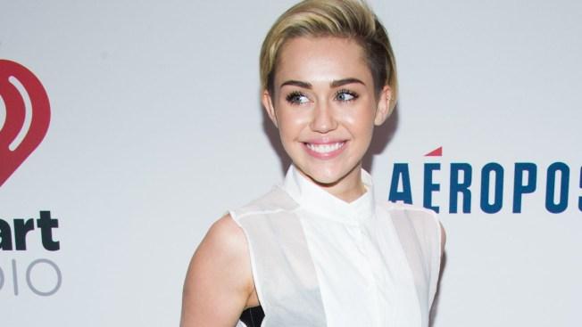 Miley Cyrus, Macklemore Perform at Jingle Ball