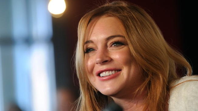 "Lindsay Lohan Plans to Move to London, Hates That She's Seen as a ""Celebrity"" and Not an ""Actress"""