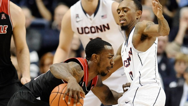 UConn Falls to Louisville, 76-64