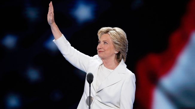 #WearWhiteToVote: Voters Show Solidarity with Clinton, Suffragists