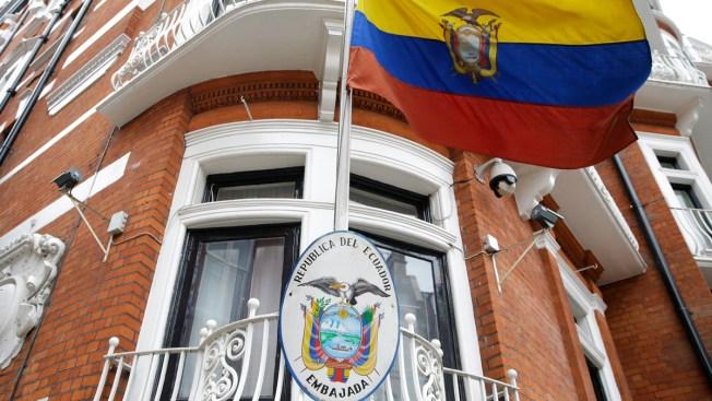 Comedian Brings 'Personal Internet Service' to Julian Assange