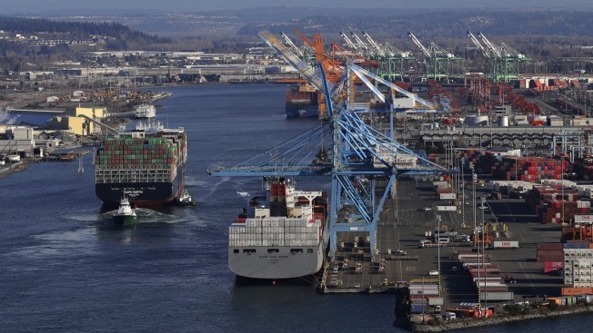 US Trade Deficit Hits 10-Year High Despite Trump's Promise