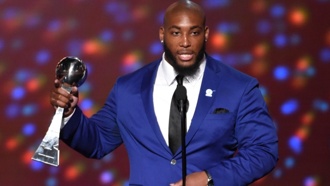 'You're So Inspiring': Devon Still Delivers Moving ESPY Speech About Daughter's Cancer Fight