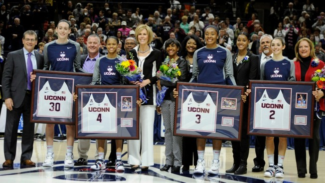 Top-Ranked UConn Wins 65th Straight Win on Senior Day