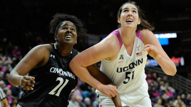 Top-Ranked UConn Wins 62nd Straight, 88-34 Over Cincinnati