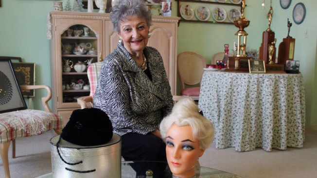 Hairstylist Who Created Beehive Hairdo Dies at 98