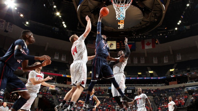 Louisville Shuts Out UConn in AAC Final