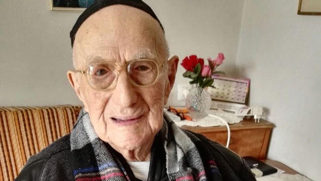 World's oldest man, Holocaust survivor Yisrael Kristal dies at age 113
