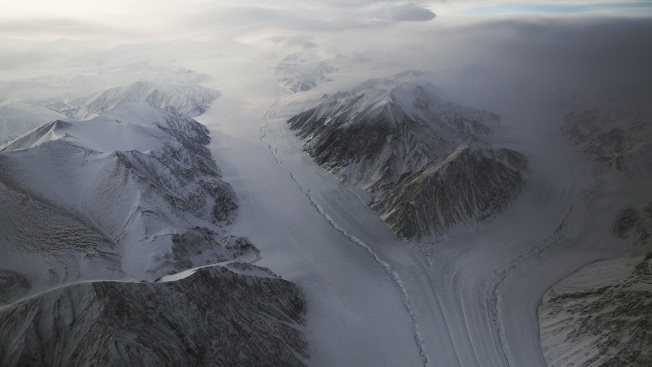 [NATL] NASA Expedition Flies Planes Over Arctic to Assess Ice Levels