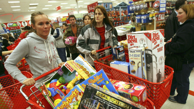 Black Friday Online Sales Gaining on Those of Cyber Monday