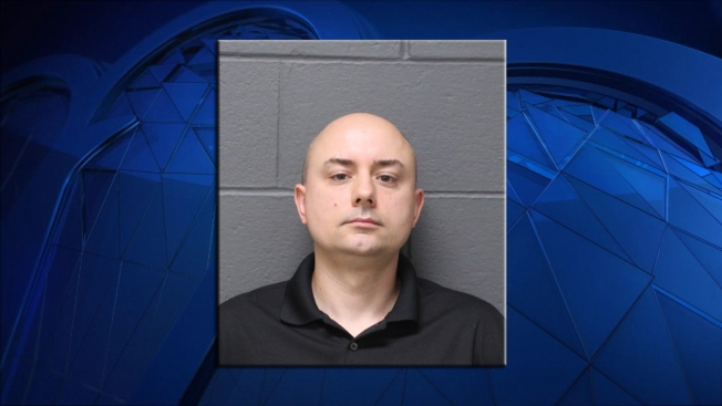 Real Estate Agent Left Young Children Alone in Car While Showing Home: Police