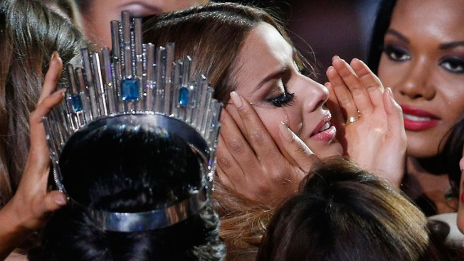 Outraged Colombians Look for Blame in Miss Universe Mix-up