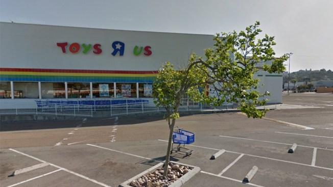 Toys R Us Begins Liquidation Sales Ahead of Store Closings