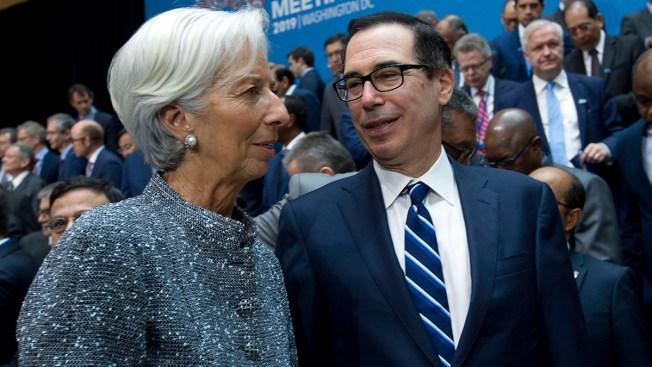 Global Finance Officials Pledge to Tackle Economic Slowdown