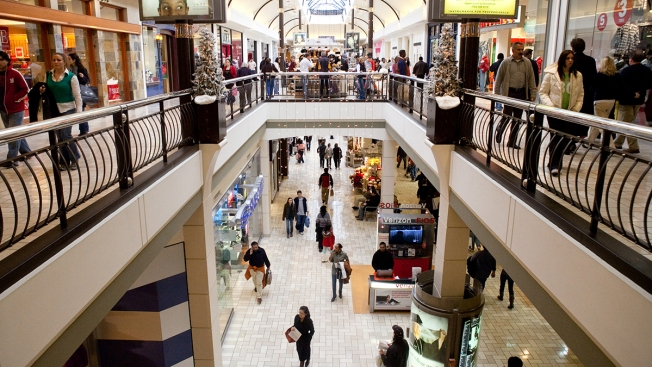 Offering Shoppers New Experiences Isn't Helping as Malls See Tsunami of Store Closures, Falling Traffic
