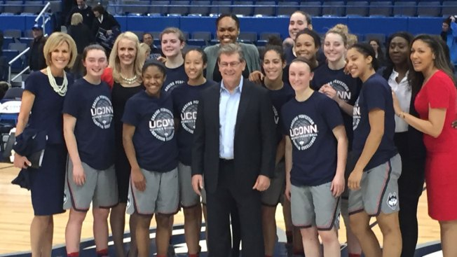 Top-Ranked UConn Women Tie NCAA Record With 90th Straight Win