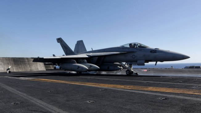 Planes Launched off US Carrier in Gulf Pound ISIS Militants