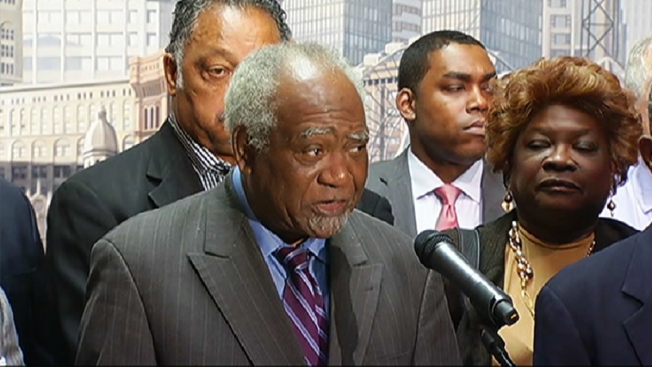 Officials Unveil Plan to Combat Chicago Violence 'Emergency'
