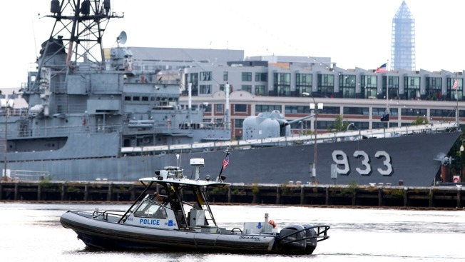 "Navy Issues ""Order to Account,"" Sets Up Hotlines After Washington Navy Yard Shooting"