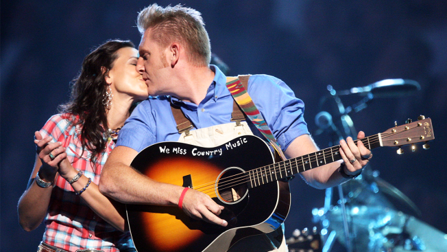 Country Music Star Joey Feek Dies at 40: Manager