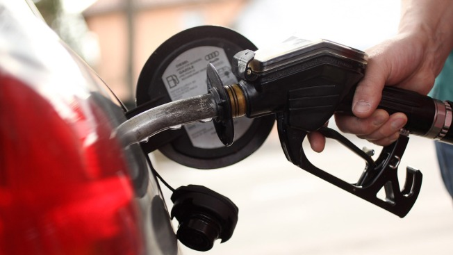 How to Snag Cheap Gas Over Memorial Day Weekend