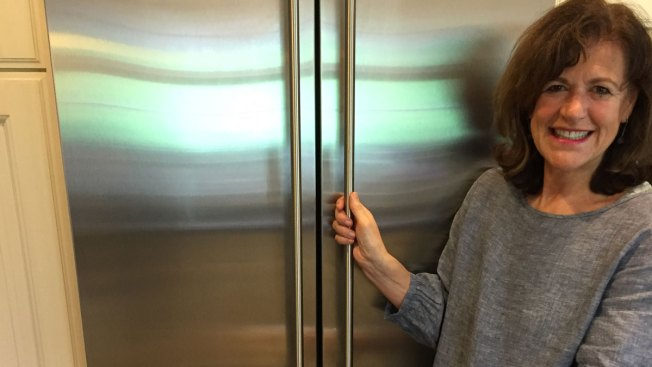 Woman Gets Deep Discount on New Refrigerator After Problem With Old One