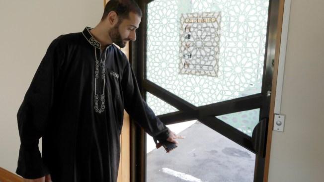'It Doesn't Open': Mosque Shooting Survivors Describe Terror at Door