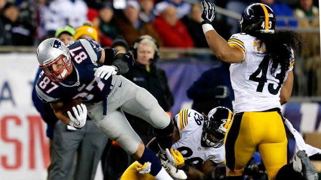 Patriots Steamroll Steelers, 55-31