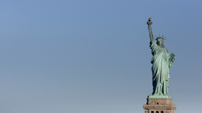 Statue of Liberty reopens with state aid during gov't shutdown