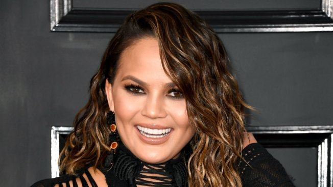 Chrissy Teigen casually pays off woman's beauty school tuition