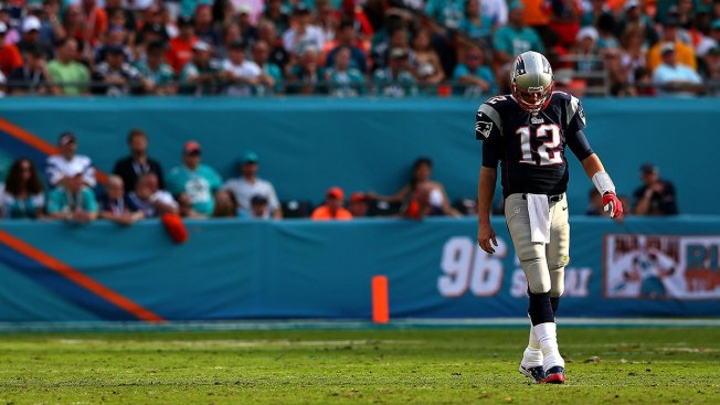 Patriots Lose to Dolphins, 24-20