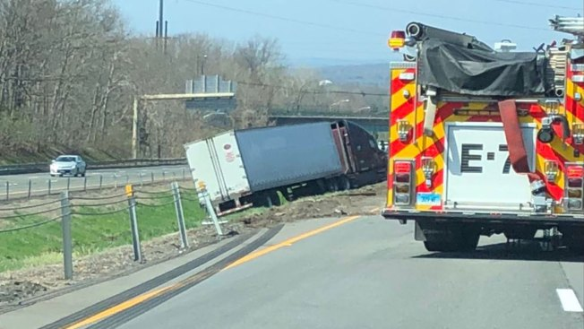 Truck Crash Causes Delays on I-91 South in Wallingford - NBC Connecticut